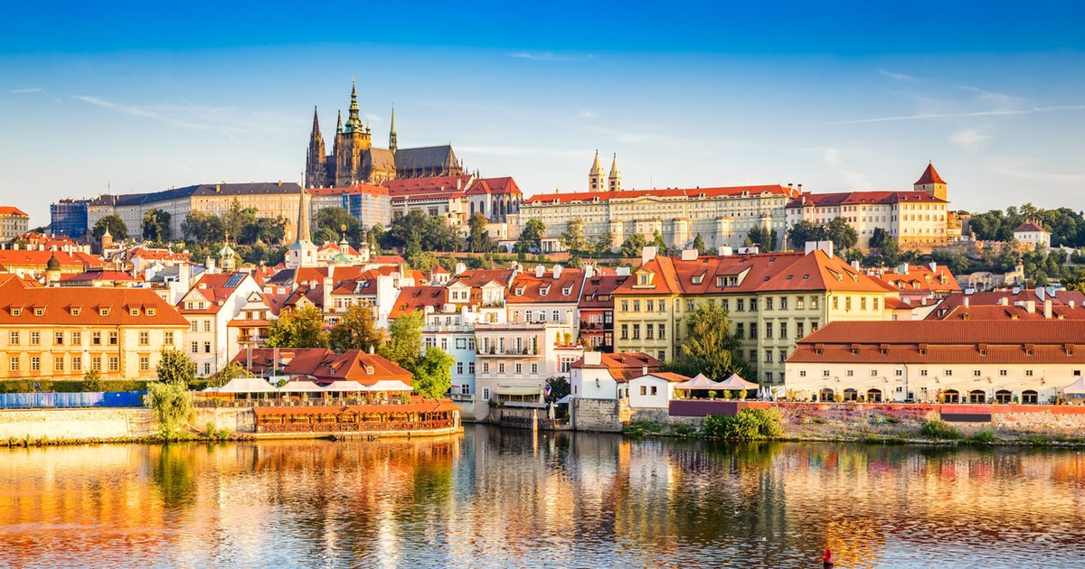 prague-castle-fotolia-jpeg_header-142535